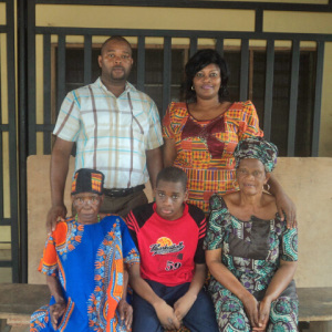 Theresa, her mother, nephew and her 2 children